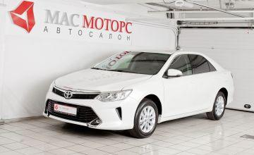 Toyota Camry Белый